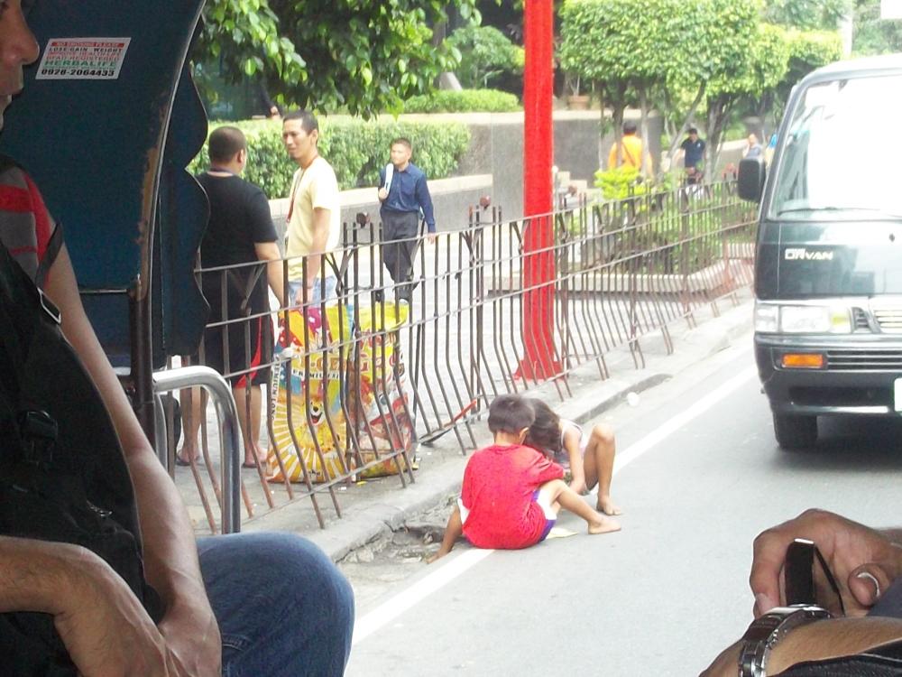 Street children in the Philippines (2/2)