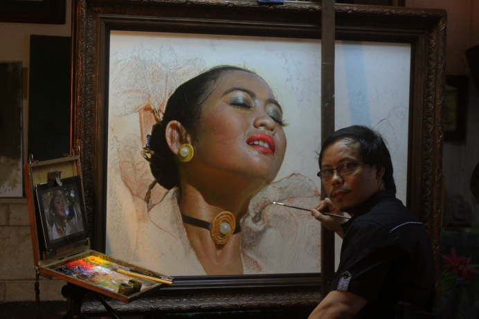 Artist Galore, Wilfredo Olamit, Clint Normandia, Clint Normandia Fine Arts, Poem, Poetry, Art, Realism, Sinulog Dancer, Painting, Paint, Realistic Art, Filipino Artist, Philippines Art, PH Art, ArtPH, Poem by Wilfredo Olamit, Sinulog Dancer Series, Cebu, Sinulog, Oil Painting, Oil on Canvas, Oil, Painter, Realist